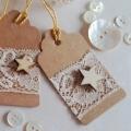 Vánoční dárková kartička s krajkou a hvězdičkou