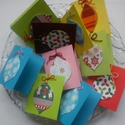 Dárková vánoční kartička s baňkou