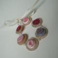 Náramek knoflíkový růžovo-perleťový
